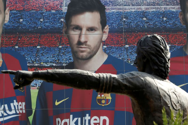 Newell's fans await hero Messi, but maybe not just yet