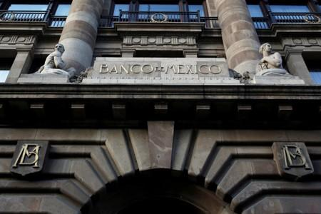 Core inflation a stiff 'challenge' in Mexico as economy faces growing risks