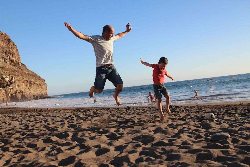 <p>If your dad is into a bit of friendly competition, set up some athletic events or an obstacle course in your backyard or beach, and see who wins. </p>