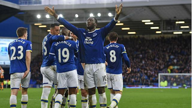 Amid speculation over his future, Romelu Lukaku's brace helped Everton move into the Premier League top six with a 4-0 win over Hull City.