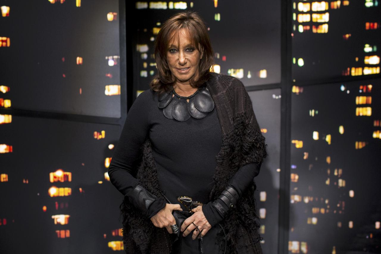 Designer Donna Karan poses for a portrait before presenting the Donna Karan New York Fall/Winter 2015 collection at New York Fashion Week February 16, 2015. Picture taken February 16, 2015.  REUTERS/Andrew Kelly/File photo