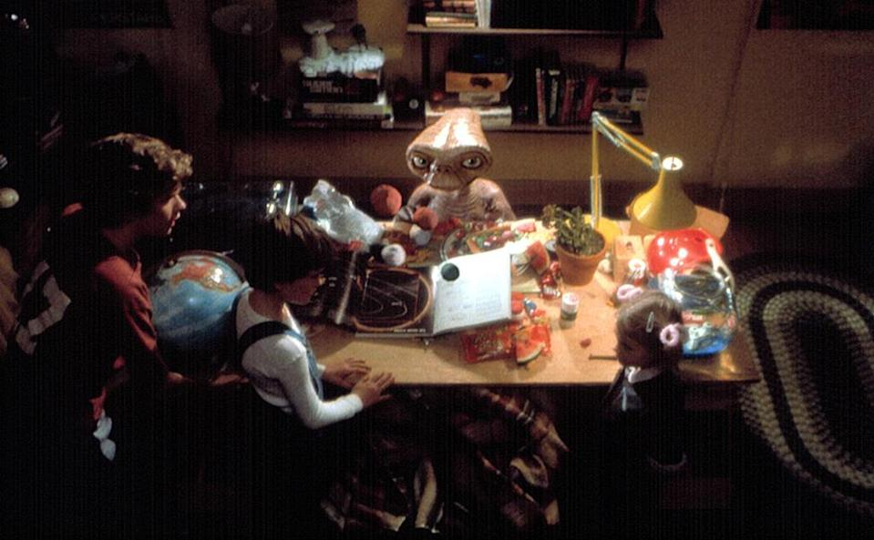 Robert MacNaughton, Henry Thomas, andDrew Barrymore in 'E.T.: the Extra-Terrestrial,' 1982