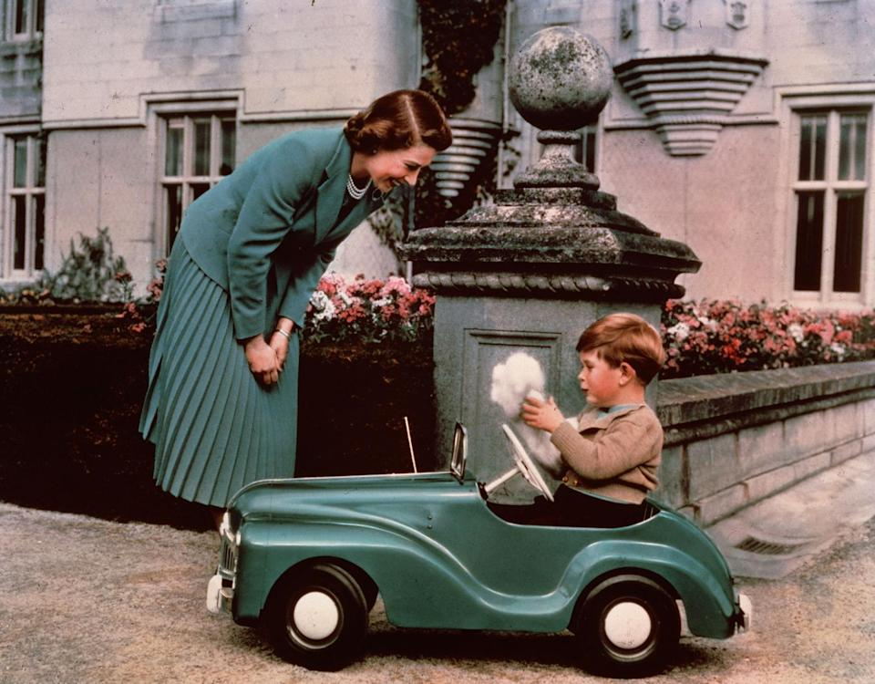 <p>British photographer Lisa Sheridan took photos of Queen Elizabeth II throughout her life, including some sweet photos of the royal with her son, Prince Charles, in 1952. </p>