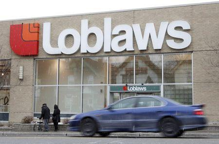 "<p>Despite competition from Amazon, which delivers package foods to homes, and Walmart, which is testing home delivery in Toronto, the country's biggest grocery store company, <strong>Loblaw Co.</strong>, has yet to wade in. While it hinted it could <a href=""http://business.financialpost.com/news/retail-marketing/loblaws-profit-climbs-57-as-revenue-beats-expectations-and-expenses-ease"" rel=""nofollow noopener"" target=""_blank"" data-ylk=""slk:""experiment"" class=""link rapid-noclick-resp"">""experiment</a>"" with home delivery earlier this year, the company currently only offers customers the ability to order online and pick up items at more than 100 Loblaws stores. (REUTERS/Chris Wattie) </p>"