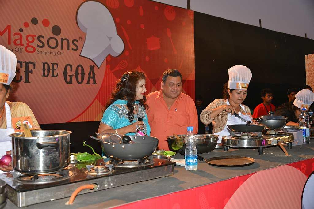 Celebrity chef Kunal Vijaykar judges the cooking competition.