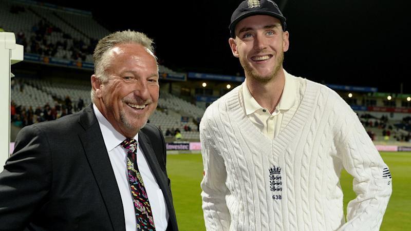 Seen here, Ian Botham (L) poses with current England fast bowler Stuart Broad.