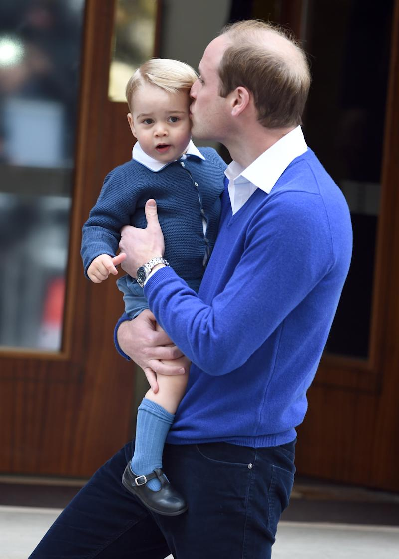 LONDON, ENGLAND - MAY 02: Prince William, Duke of Cambridge, and Prince George arrive at the Lindo Wing at St. Mary's Hospital on May 02, 2015 in London, England. The Duchess of Cambridge safely delivered a daughter at 8:34am this morning weighing 8lbs 3oz. (Photo by Anwar Hussein/WireImage)