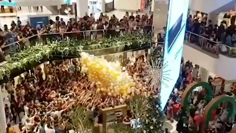 Christmas shoppers crushed in giveaway gone wrong