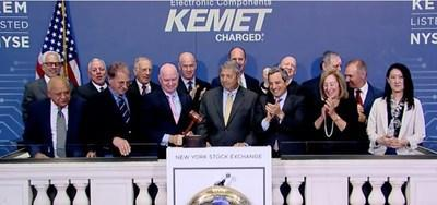 Digi-Key Celebrates More than 170,000 Products Offered by KEMET on