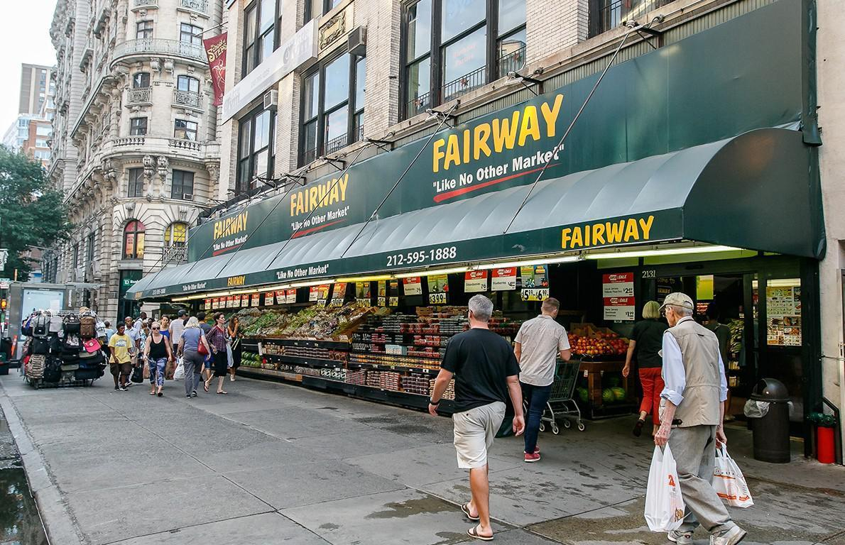 """<p>Dubbed """"New York's favorite grocery store,"""" Fairway Market claims to be """"like no other market."""" Established in the 1930s in the New York City area and now with 15 stores in Connecticut, New Jersey and New York, Fairway Market has become famous for stocking an extensive selection of small-batch products, high-quality prepared foods and specialty and gourmet offerings, along with a full assortment of conventional groceries. Favorites include fresh-baked breads, hand-sliced <a href=""""https://www.thedailymeal.com/foods-pregnant-women-need-to-eat/slide-10?referrer=yahoo&category=beauty_food&include_utm=1&utm_medium=referral&utm_source=yahoo&utm_campaign=feed"""">smoked salmon</a>, the full-service butcher shop and the store's made-to-order chopped salads. In the summer of 2019, Fairway Market opened """"The Cooking Place,"""" with over 100 class offerings that range from date nights to authentic global cooking — the curriculum is designed to teach an ordinary home cook everything from the basics to complicated dishes.</p>"""