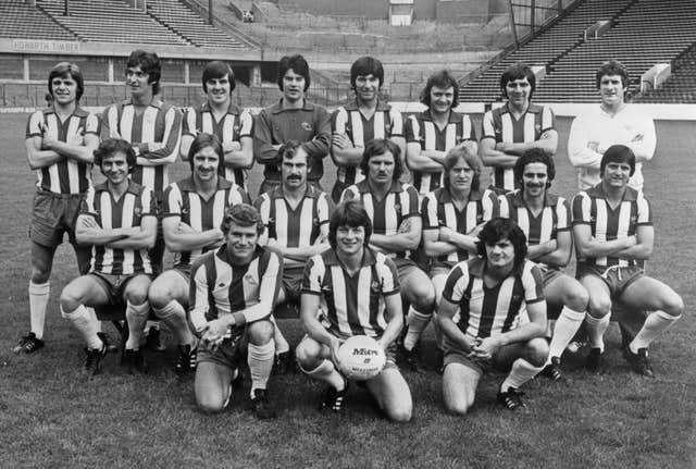 Dave Cusack (middle row, second from the left) lines up with his Sheffield Wednesday team-mates ahead of the 1977-78 season