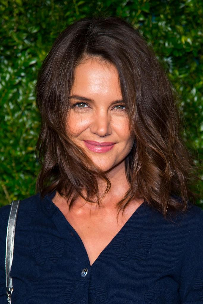 Katie Holmes arrived to the CHANEL Tribeca Film Festival Artists Dinner last night flaunting her new shoulder-length tresses