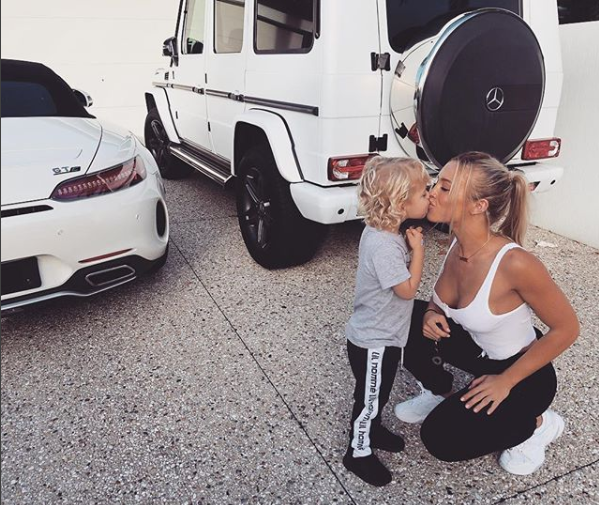 <p>Tammy Hembrow's Instagram if full of adorable snaps like this one with son Wolf. Source: Instagram/Tammy Hembrow </p>