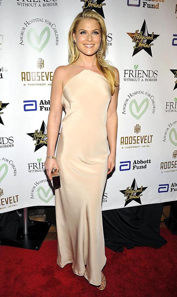 """""""Heroes"""" star Ali Larter stole the spotlight in the evening's hottest hue, nude. Toby Canham/<a href=""""http://www.gettyimages.com/"""" target=""""new"""">GettyImages.com</a> - December 10, 2009"""