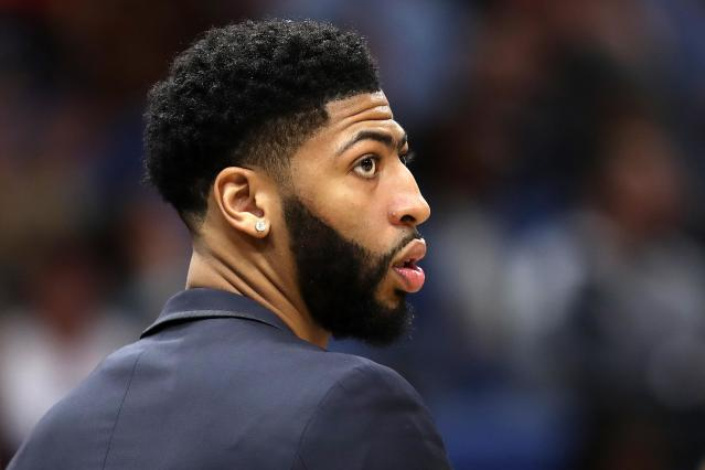Anthony Davis reportedly is worried about the Pelicans playing in the shadow of the Saints. (Getty)