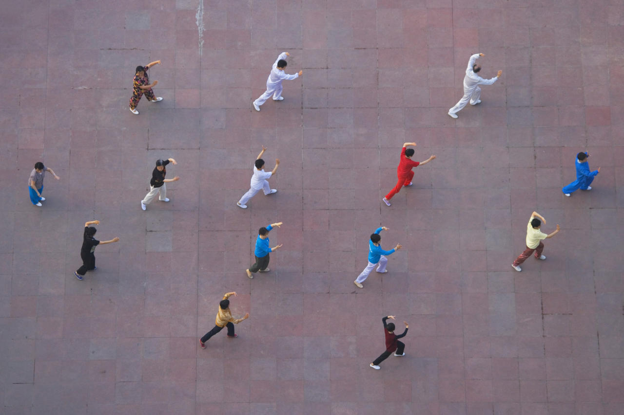 A new study compares tai chi and aerobic exercise to reduce chronic pain linked to fibromyalgia