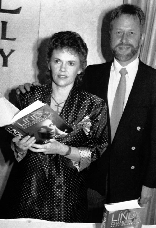 Lindy Chamberlain and husband Michael Chamberlain shown in October 1990 when Lindy launched her book on the disappearance of her baby daughter Azaria in 1980. The Northen Territory Government awarded Lindy 680,000USD and Michael 300,000USD as compensation for Lindy being jailed for three years for the murder of Azaria. The conviction was quashed in 1988. (AP Photo/Russell McPhadran)