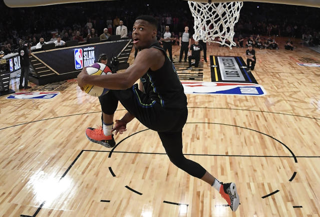 Dallas Mavericks' Dennis Smith Jr. competes in the NBA All-Star basketball slam dunk contest, Saturday, Feb. 17, 2018, in Los Angeles. (AP Photo/Chris Pizzello, Pool)