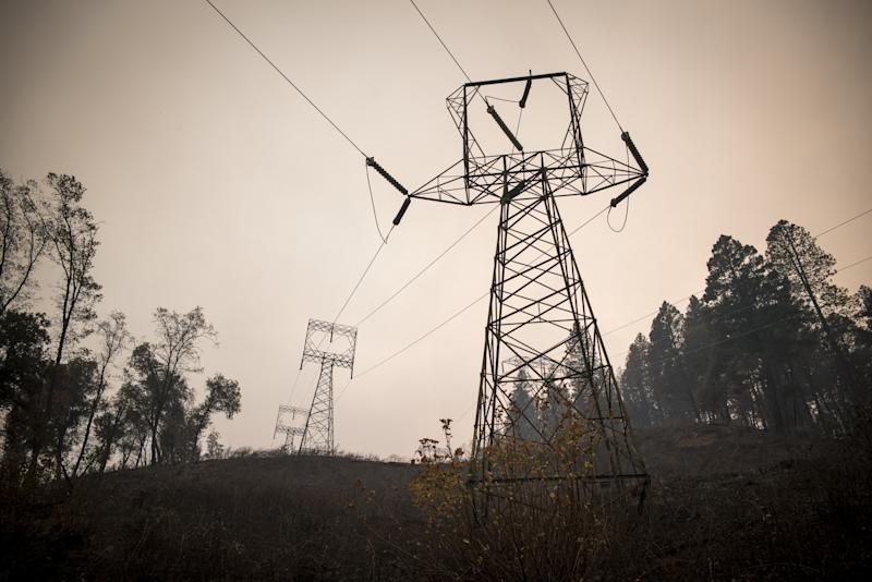 Hedge Fund Titans Baupost, D.E. Shaw Caught in PG&E Value Trap
