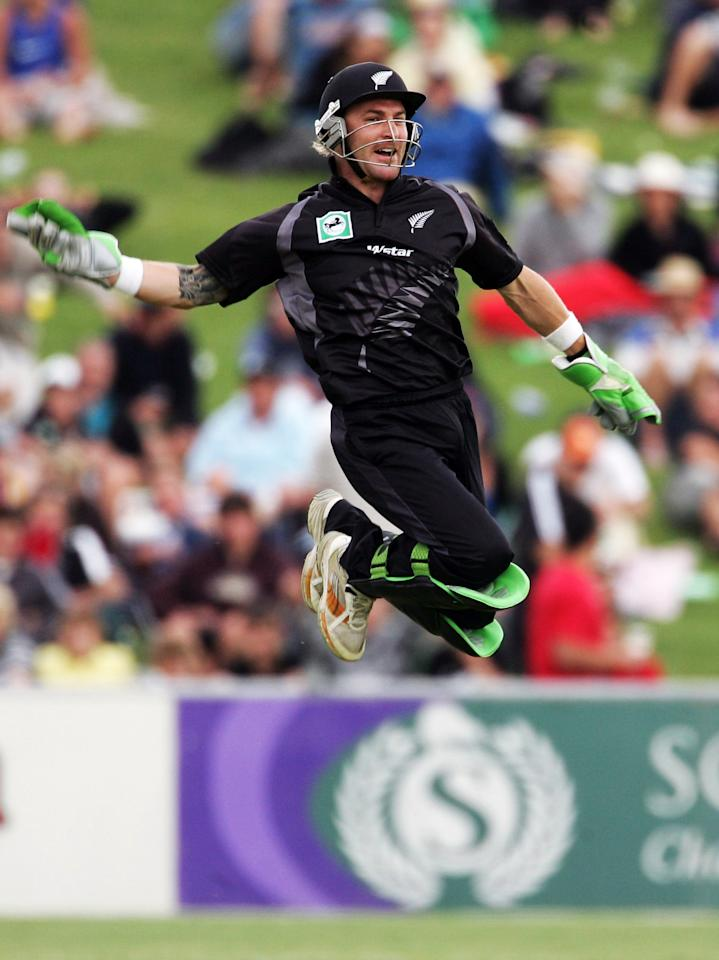NAPIER, NEW ZEALAND - DECEMBER 28:  Brendon McCullum of New Zealand appeals unsuccessfully for  a catch off Aftab Ahmed of Bangladesh during the second one day international match between New Zealand and Bangladesh held at McLean Park December 28, 2007 in Napier, New Zealand.  (Photo by Phil Walter/Getty Images)