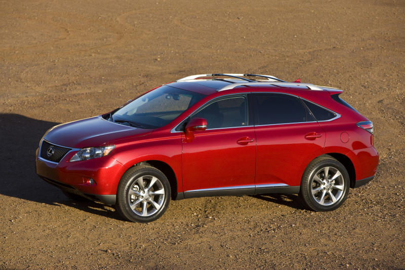 Toyota to recall Lexus SUVs to fix floor mat