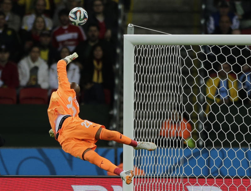 Goalkeeper shines for Algeria in World Cup loss