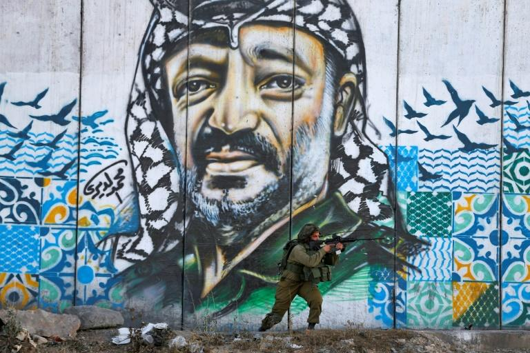 For many young Palestinians, the landmark Oslo accord, which Yasser Arafat signed with Israeli prime minister Yitzhak Rabin 25 years ago on Thursday, was a betrayal that has only consolidated Israel's occupation