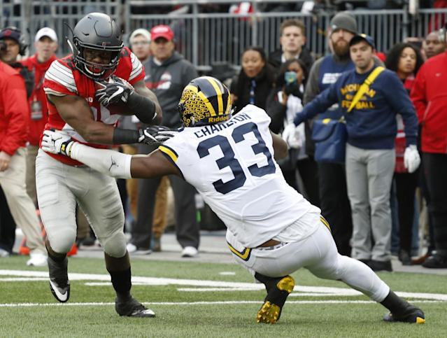 "Michigan DE <a class=""link rapid-noclick-resp"" href=""/ncaaf/players/225748/"" data-ylk=""slk:Taco Charlton"">Taco Charlton</a> had a big game against Ohio State. (AP)"