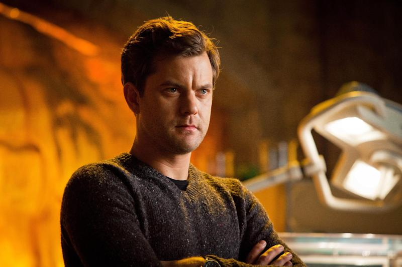 """This undated image released by Fox shows Joshua Jackson in a scene from the two-hour series finale of """"Fringe,"""" airing Friday, Jan. 18, 2013 at 8 p.m. EST on Fox. (AP Photo/Fox, Liane Hentscher)"""
