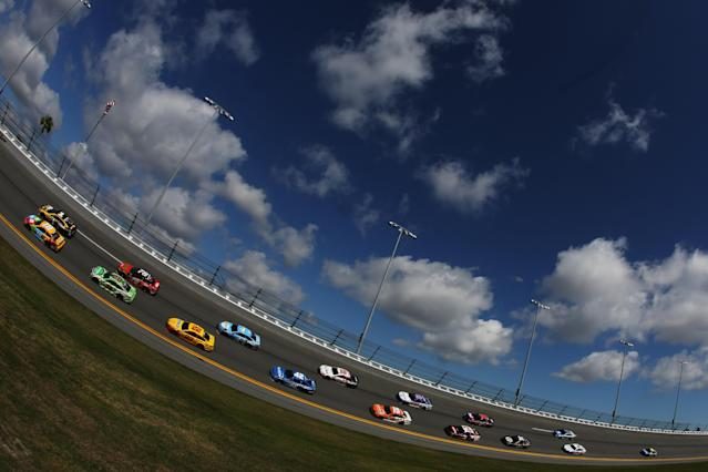17 cars will participate in Sunday's Clash. (Getty)2018