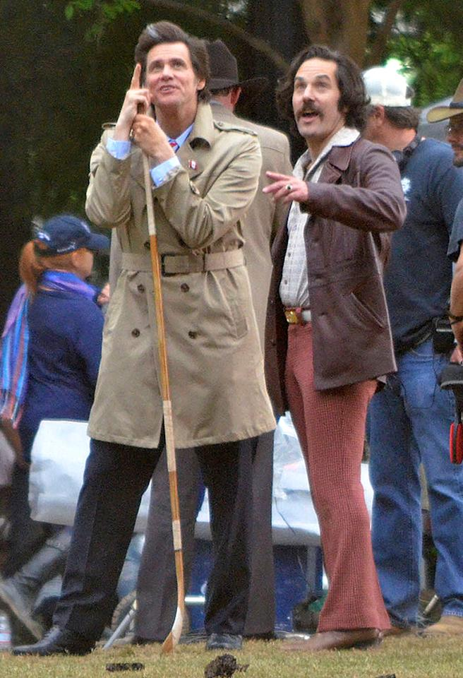 "If you weren't sure about whether or not you wanted to see ""Anchorman 2,"" after seeing this shot of Jim Carrey and Paul Rudd on set in Atlanta on Wednesday, we're sure you will now! (5/8/2013)"