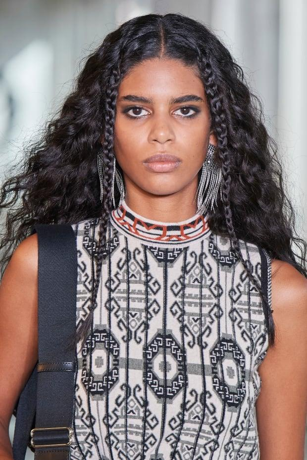 <p>A beauty look from the Fall 2021 Etro show. Photo: Imaxtree</p>