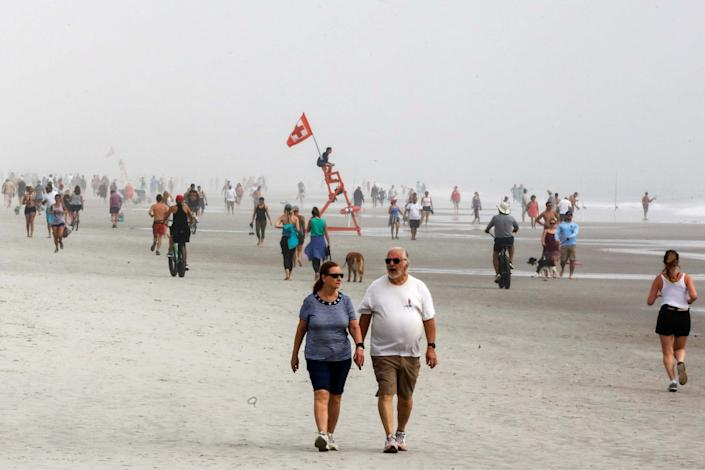 New coronavirus infections around Jacksonville Beach cause more business closures: REUTERS