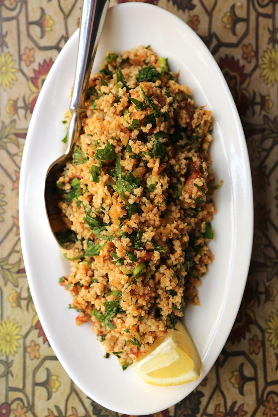 """<p>This <a href=""""https://www.popsugar.com/food/Fast-Easy-Healthy-Recipe-Quinoa-Tabbouleh-11137955"""" class=""""link rapid-noclick-resp"""" rel=""""nofollow noopener"""" target=""""_blank"""" data-ylk=""""slk:quinoa tabbouleh"""">quinoa tabbouleh</a> is quick, easy, and flavorful. It also tastes great when served either hot or cold.</p>"""