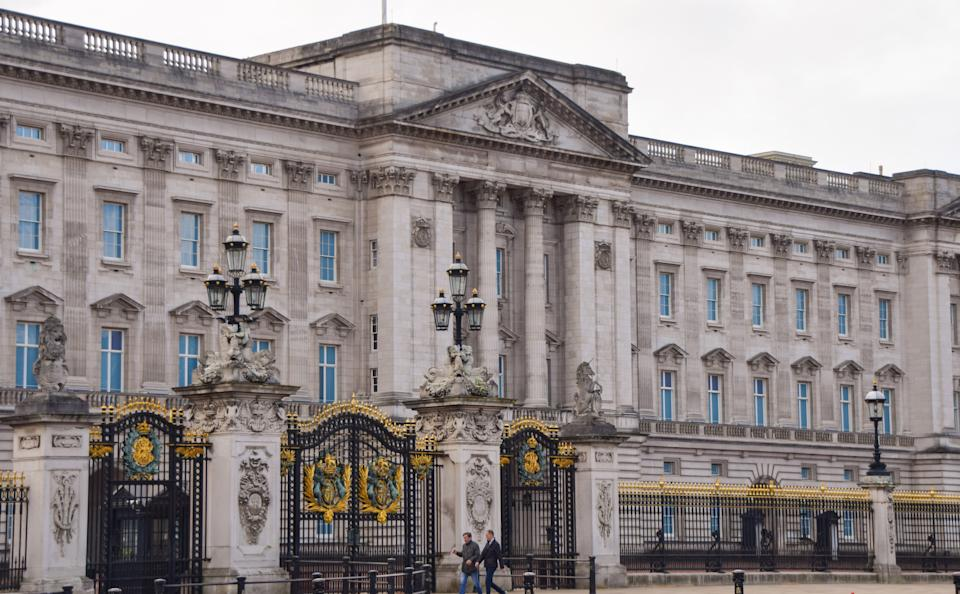 An exterior view of Buckingham Palace in London. (Photo by Vuk Valcic / SOPA Images/Sipa USA)