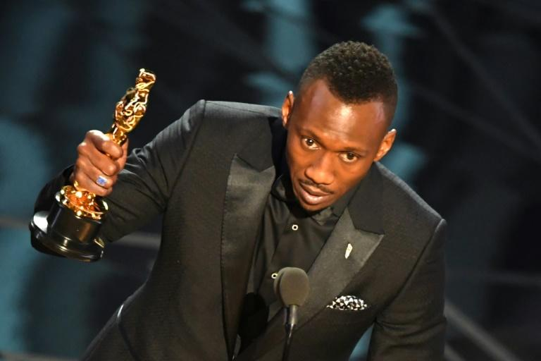 "Mahershala Ali delivers a speech on stage after he won the award for Best Supporting Actor in ""Moonlight"" at the 89th Oscars"