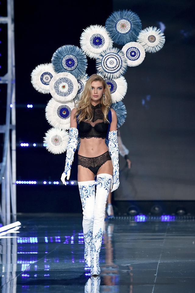 Stella Maxwell  (Theo Wargo via Getty Images)