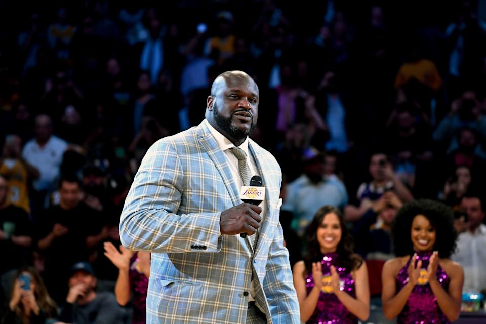 Shaquille O'Neal paid off an engagement ring for a man who was shopping at a jewelry store.