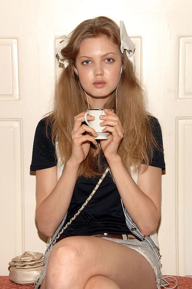 <p>Model Lindsey Wixson poses backstage at the Oscar de la Renta Resort 2011 Collection in New York City. (Photo: Marc Stamas/Getty Images) </p>