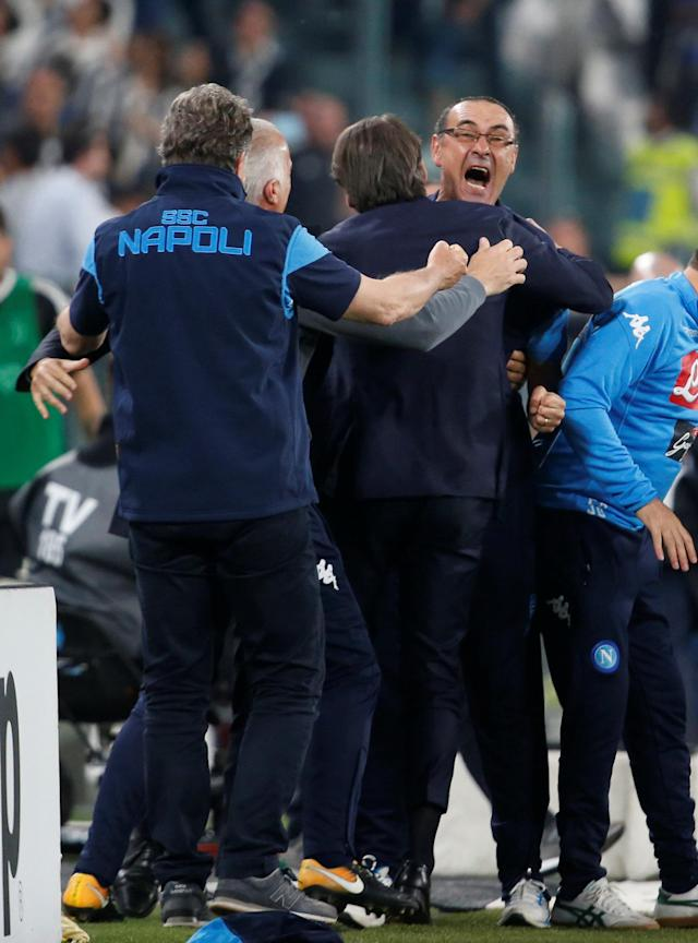 Soccer Football - Serie A - Juventus v Napoli - Allianz Stadium, Turin, Italy - April 22, 2018 Napoli coach Maurizio Sarri celebrates after the match REUTERS/Stefano Rellandini