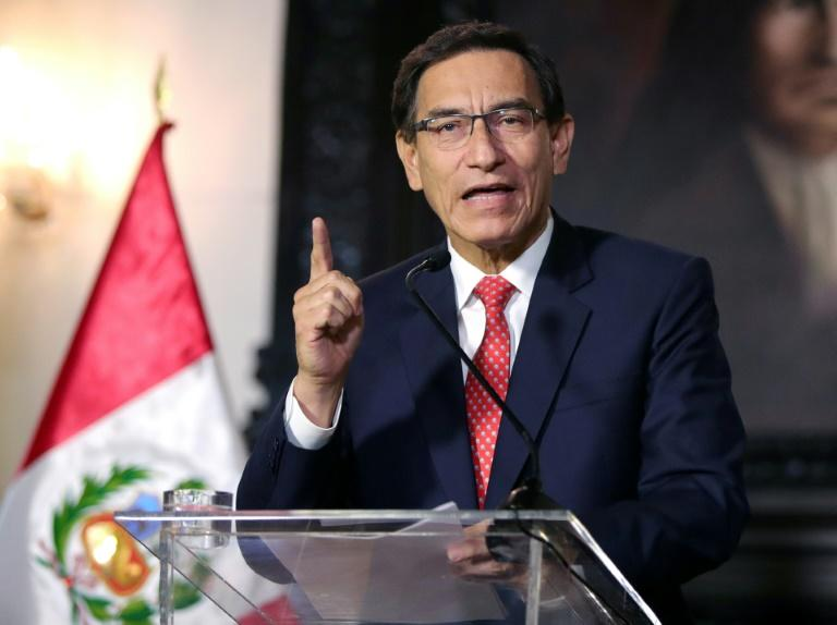 Peru police search homes of officials in impeachment case