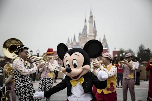 A view of Shanghai Disneyland, which was closed during the coronavirus health crisis. Ctrip started selling travel packages and attraction tickets on its app last week. Photo: Bloomberg