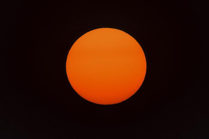 """<p>""""Within uncertainty, the temperature at the center of the Earth is the same as the temperature at the surface of the sun (5800 K),"""" Caltech geochemist <a href=""""https://www.gps.caltech.edu/people/paul-d-asimow"""" rel=""""nofollow noopener"""" target=""""_blank"""" data-ylk=""""slk:Paul Asimow"""" class=""""link rapid-noclick-resp"""">Paul Asimow</a> tells <em>Popular Mechanics</em>. At about almost 10,000 degrees Fahrenheit, that's hot. </p>"""