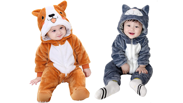 Sibling Halloween costumes: A cat and a dog