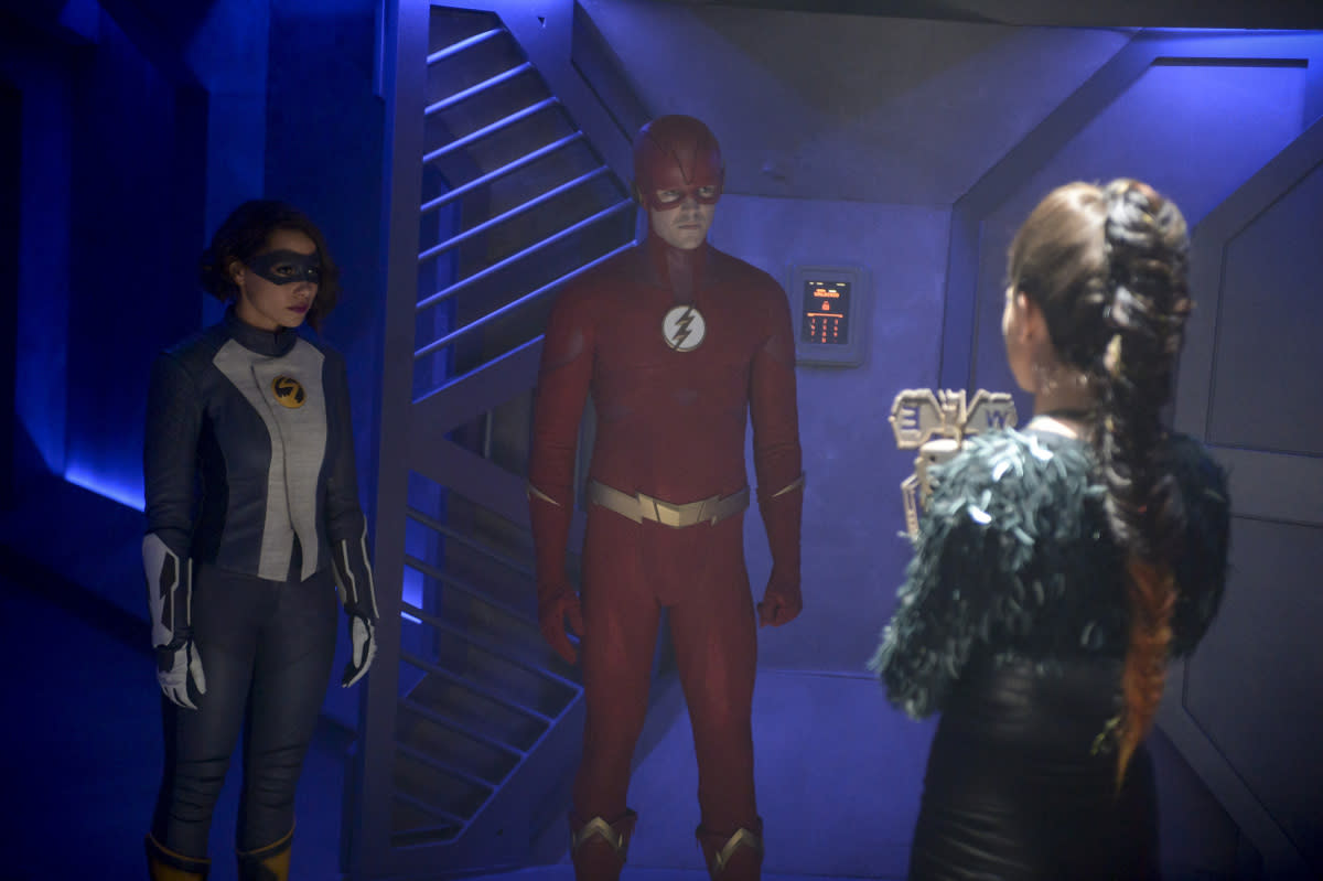 "The Flash's Thanksgiving feast will feature a hearty helping of weather wizardry, as seen in this cornucopia of photos from the CW series' upcoming holiday-themed episode. In the Tuesday, Nov. 27 episode ""O Come, All Ye Faithful,"" while Nora grapples with unresolved anger over her father's disappearance in the future, Barry and Team Flash must […]"