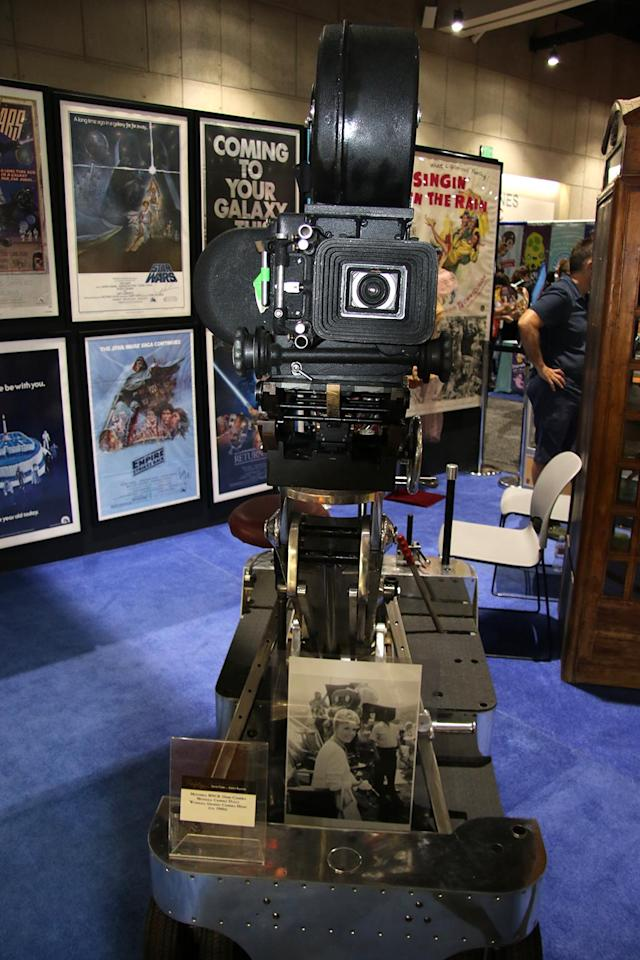 "<p>A Mitchell motion picture camera used for <a href=""https://www.yahoo.com/movies/tagged/debbie-reynolds"" data-ylk=""slk:Debbie Reynolds"" class=""link rapid-noclick-resp"">Debbie Reynolds</a>' movies including <em>Say One for Me</em> (1959) and <em>The Rat Race</em> (1960) (Photo: Giana Mucci/Yahoo) </p>"