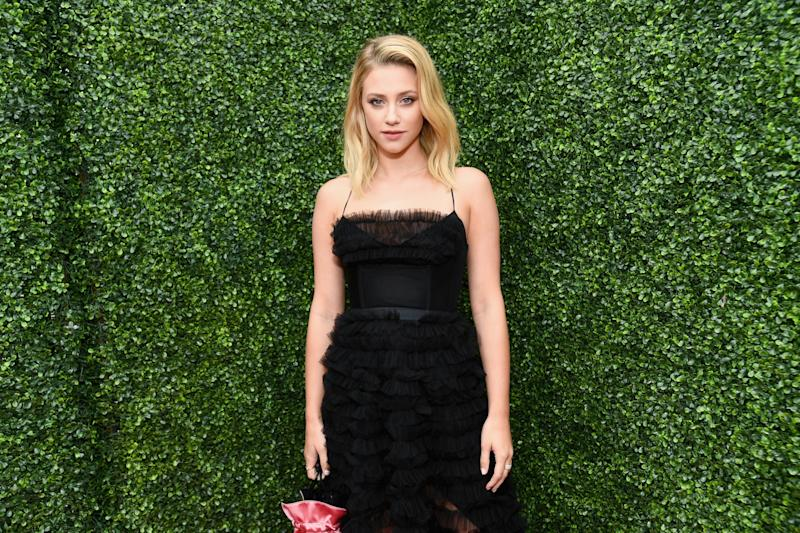 Lili Reinhart Wrote a Savage Message to Fans Petitioning for a   Game of Thrones Do-over