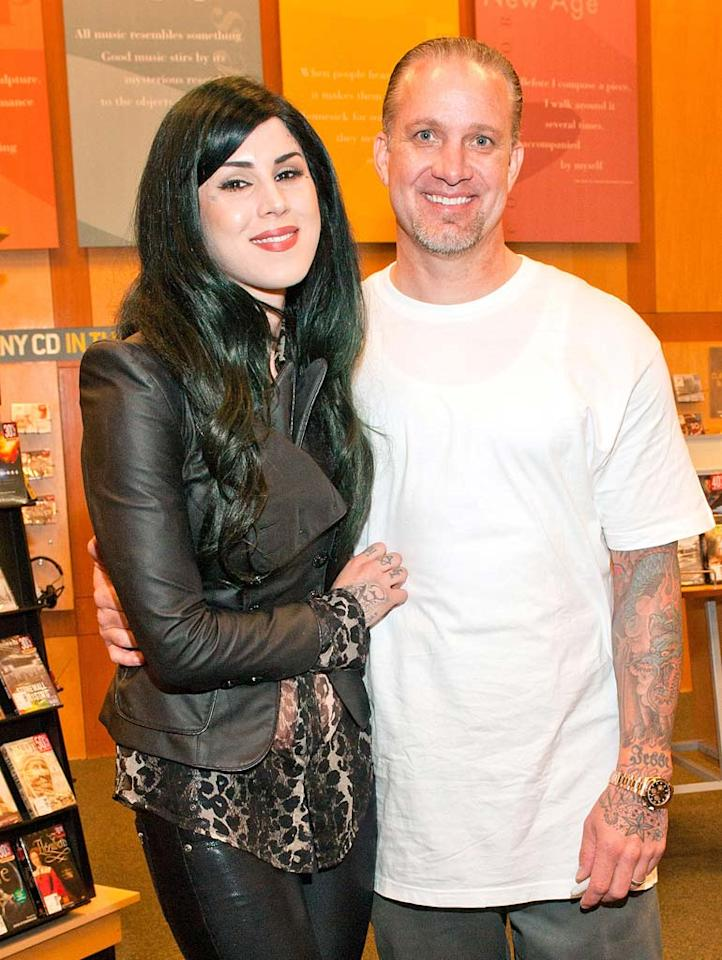 We can't say we're surprised that it didn't work out. After a high-profile breakup following multiple affairs during his marriage to Oscar winner Sandra Bullock in 2010, it was somewhat shocking to see reality star Jesse James cozying up to a new girlfriend, Kat Von D. The couple even announced plans to wed before calling the whole thing off in July ... and again in September.