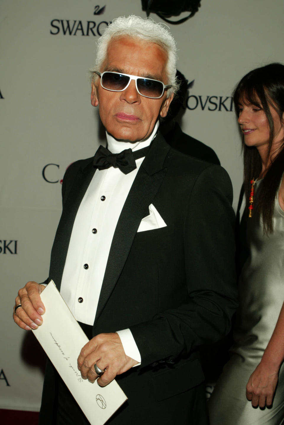 <p>Back in the early noughties, the designer took home the Lifetime Achievement Award at the CFDA Awards in New York. <em>[Photo: Getty]</em> </p>