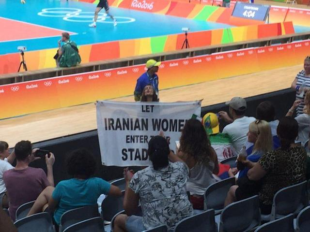 Darya Safai interacts with Olympic fans on Monday. (Yahoo Sports)
